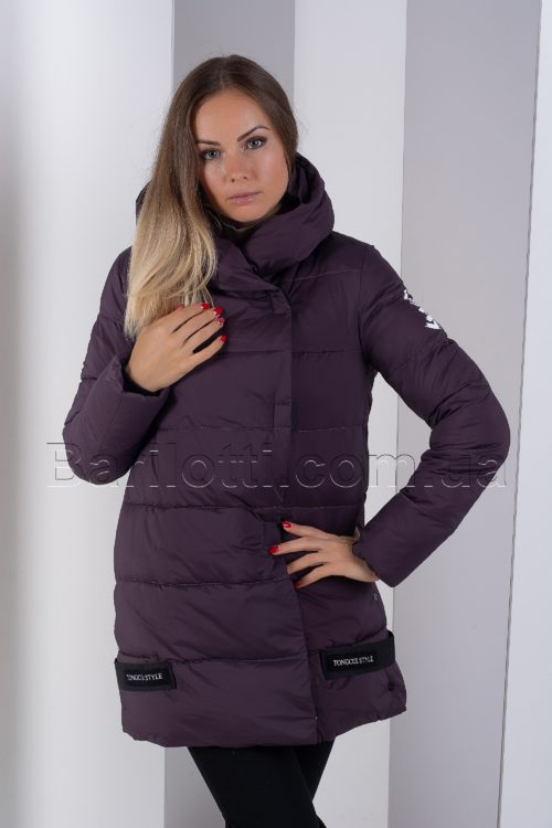 Стильная куртка оверсайз цвета марсала Tongcoi 905